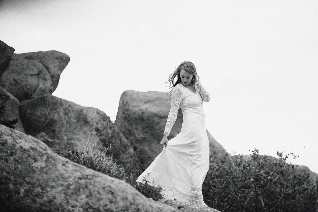 LJ - Destination Elopement Bride - Colorado - Wyoming - Joshua Tree - Yosemite-37