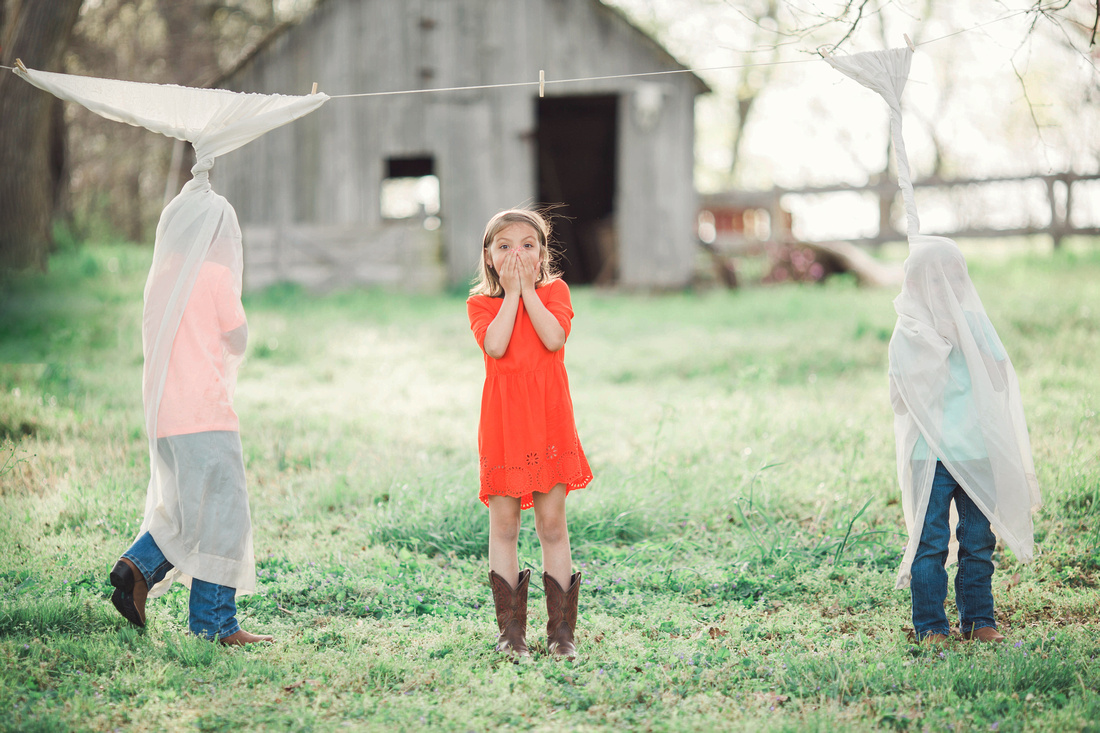 spring minis, children's photography, laced photography, bolivar mo, Springfield Missouri photographers, Top Missouri photographers, Branson wedding photographer